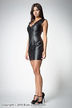 Djupt v-ringad klänning i konstläder, XS - 5XL